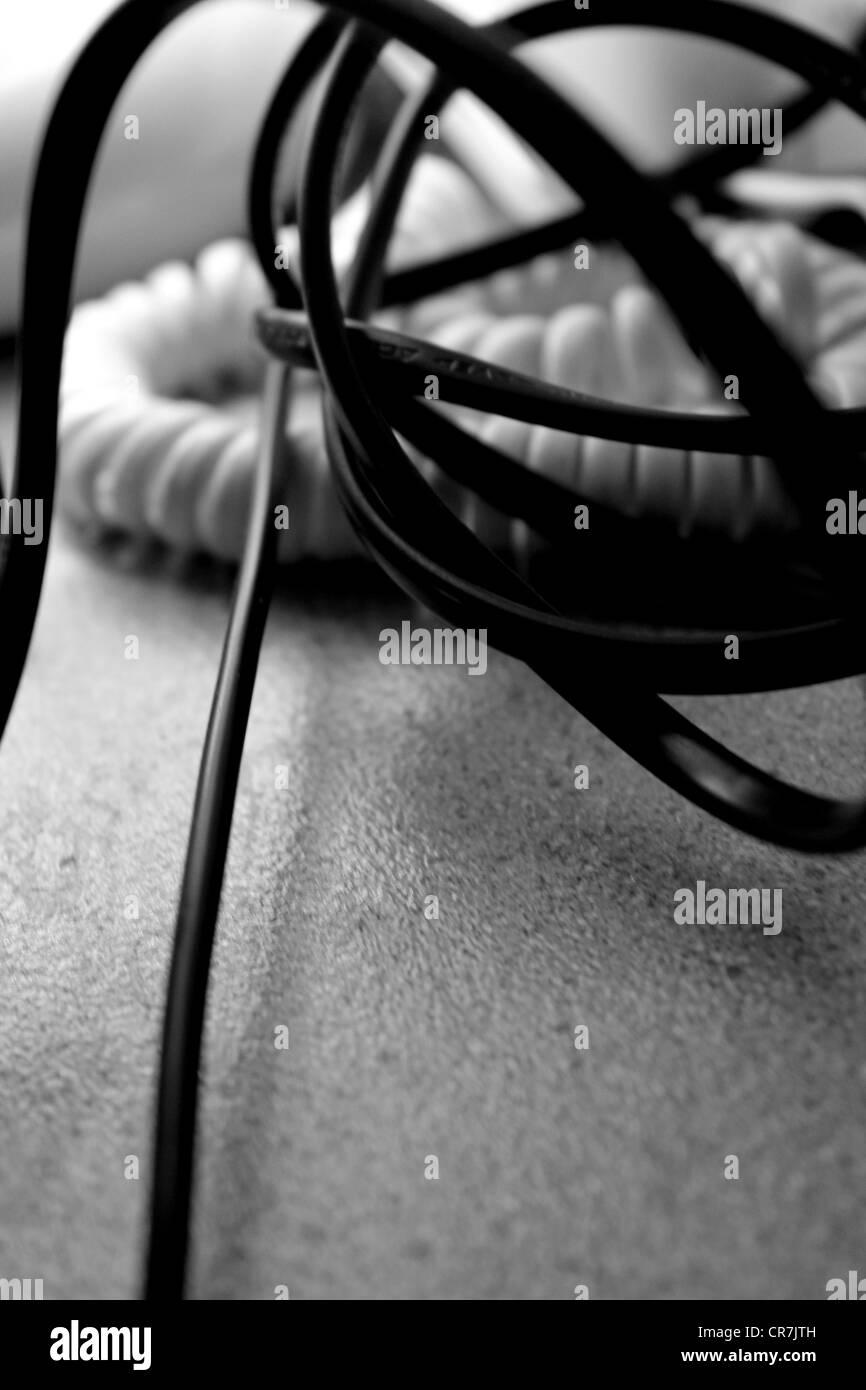 Ungewöhnlich Heißer Draht Schwarz Oder Weiß Fotos - Elektrische ...