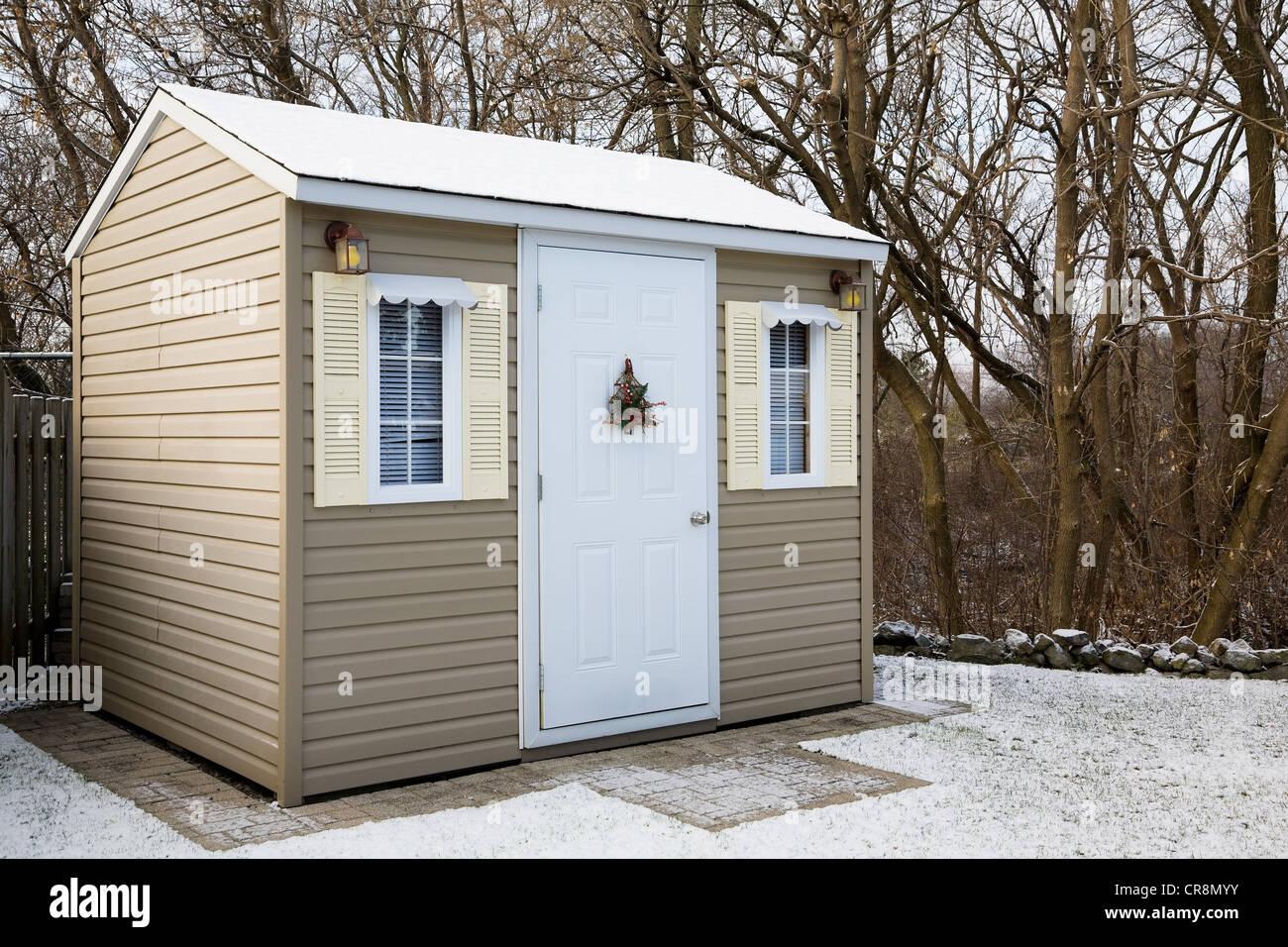 garden shed stockfotos garden shed bilder alamy. Black Bedroom Furniture Sets. Home Design Ideas