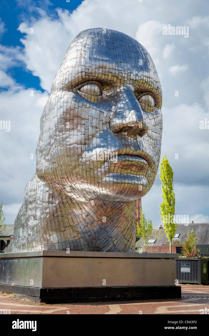 Die Statue von Rick Kirby berechtigt das Gesicht von Wigan in der Wiend im Zentrum Stadt. Stockbild
