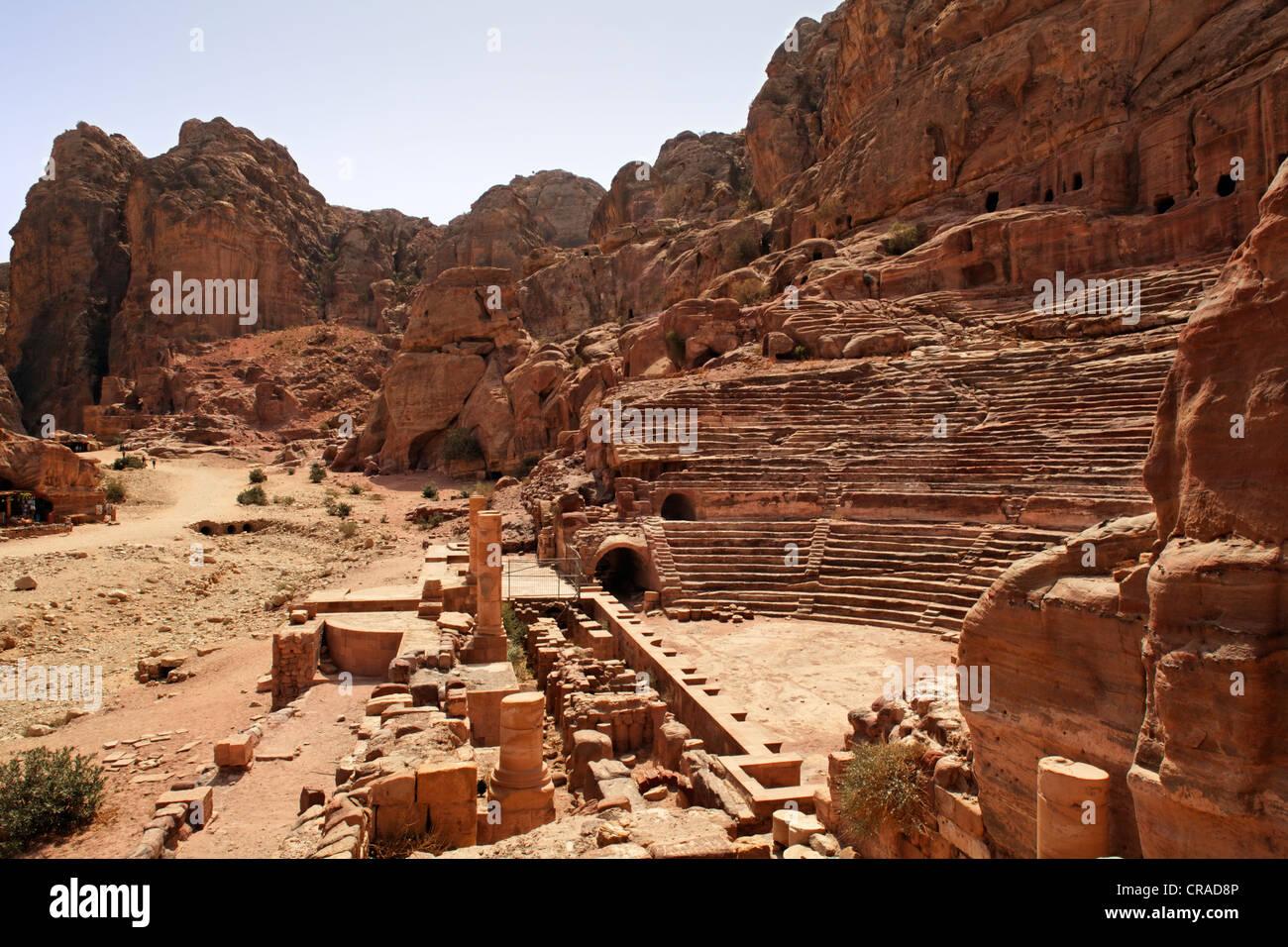 Römische Theater, Petra, die Hauptstadt der Nabatäer, Felsenstadt, UNESCO-Weltkulturerbe Hertage, Wadi Stockbild