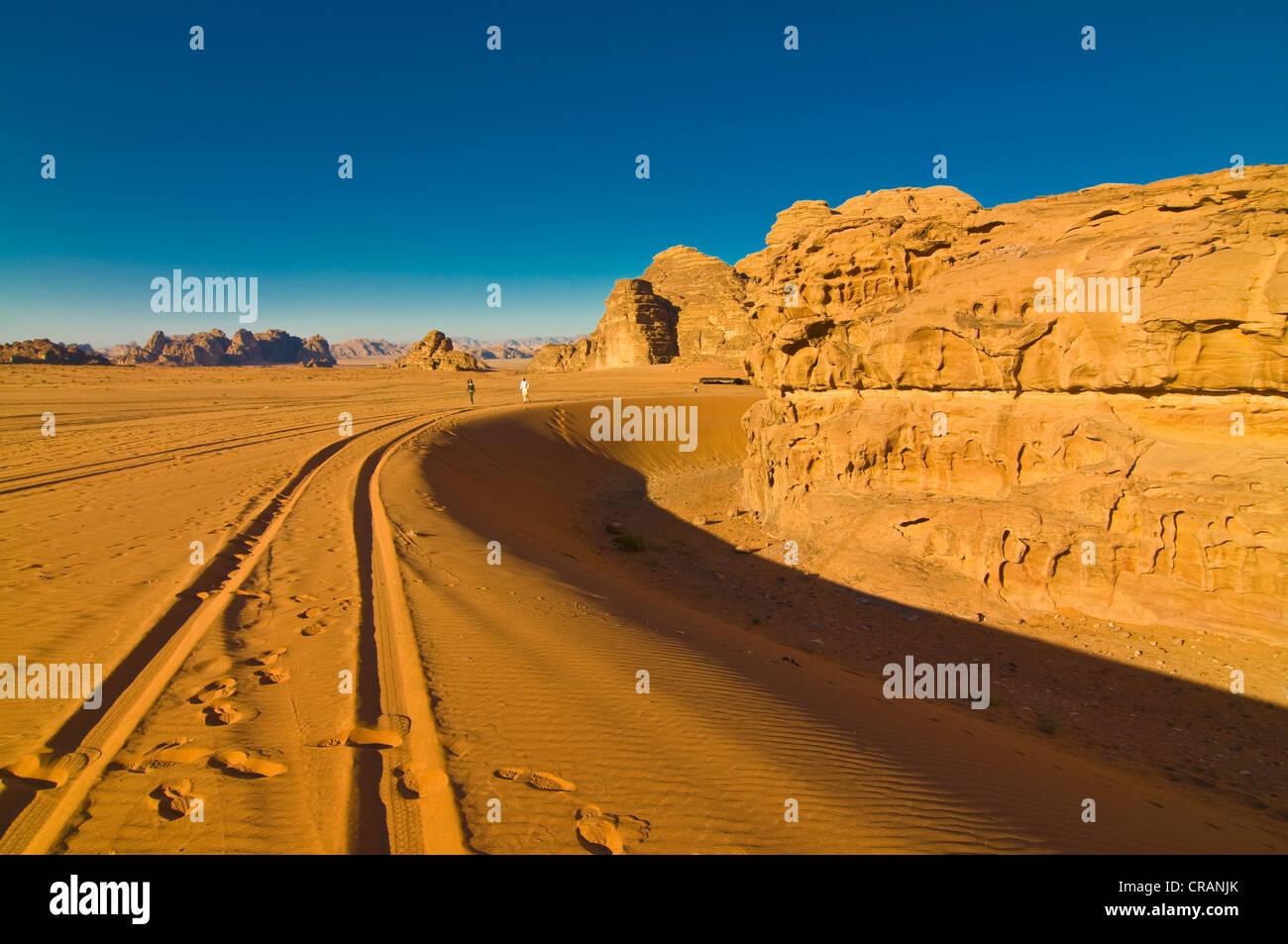 Berge und Wüste, Wadi Rum, Jordanien, Naher Osten Stockbild