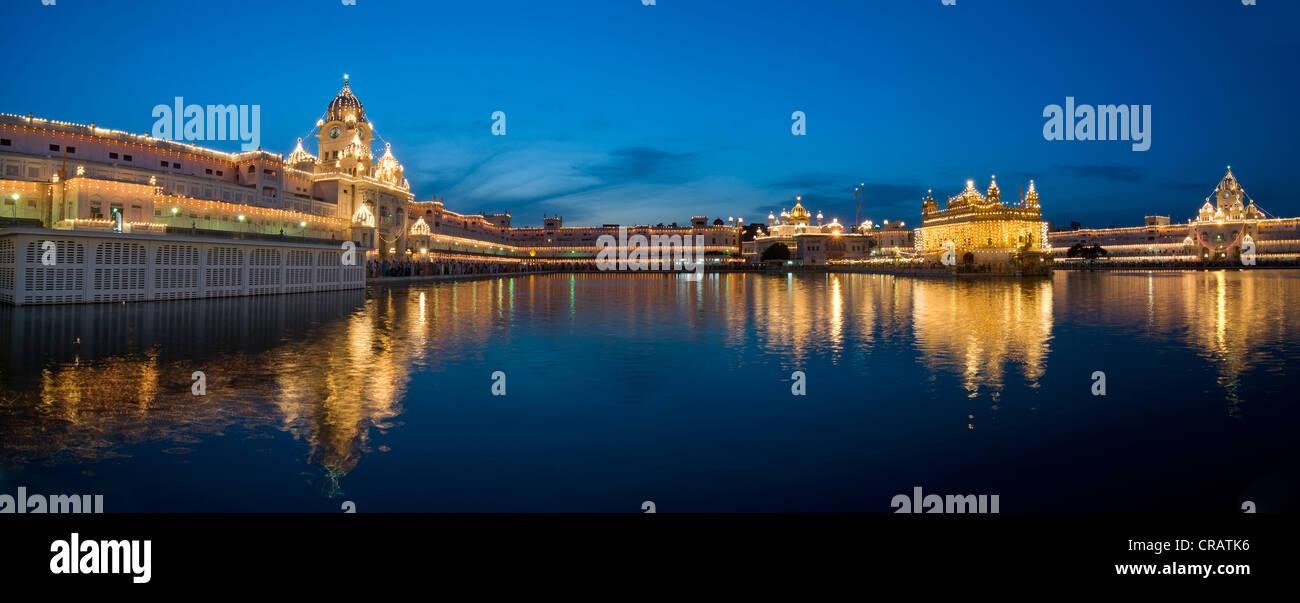 Leinwand-Bild Harmandir Sahib Goldener Tempel Amritsar Indien Wandbild Bilder