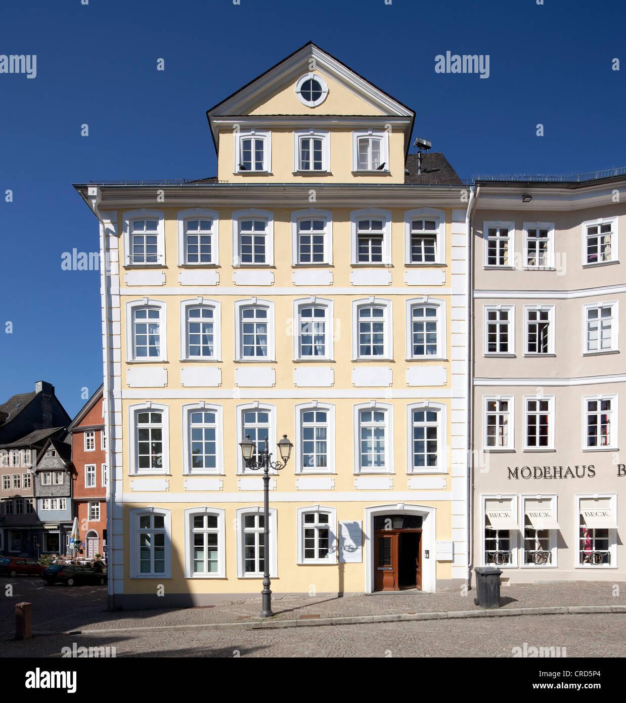 Geschäftshaus am Domplatz, Domplatz, Wetzlar, Hessen, Deutschland, Europa, PublicGround Stockbild