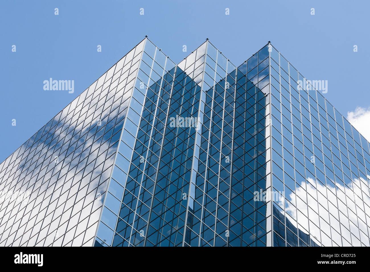 Glas ummantelt Büroturm: Constitution Square Gebäude.  Die Spitze eines Glases abgedeckt Wolkenkratzer Stockbild