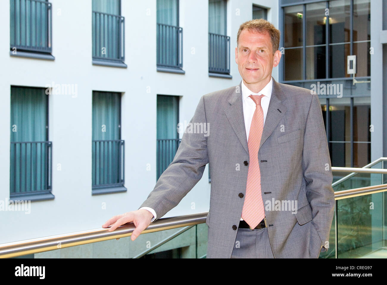 Operations Manager Stockfotos & Operations Manager Bilder - Alamy