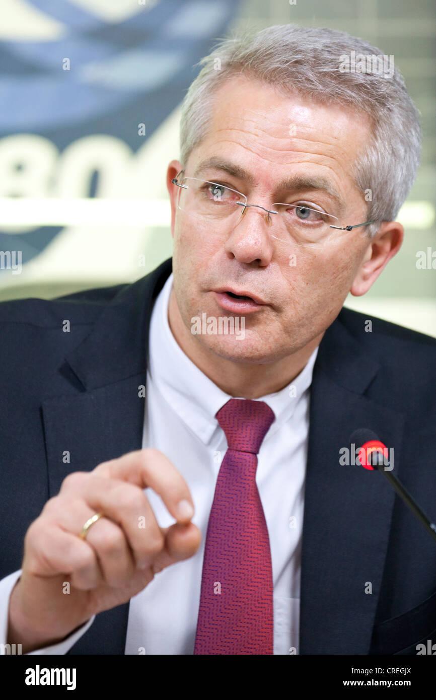 Stefan Schulte, Vorstandsvorsitzender der Fraport AG, jährliche Ergebnisse Pressekonferenz, Frankfurt Am Main, Stockbild