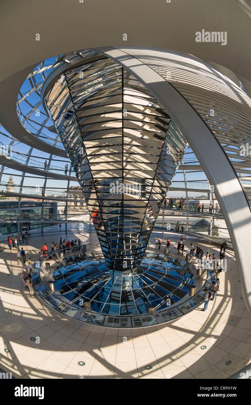 Im Inneren der Reichstagskuppel in Berlin, Deutschland Stockbild