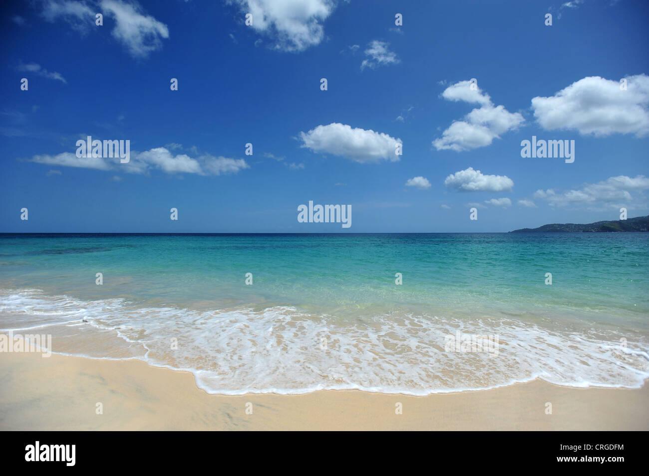 Der Blick auf das Meer von Grand Anse Beach, Grenada, Karibik Stockbild