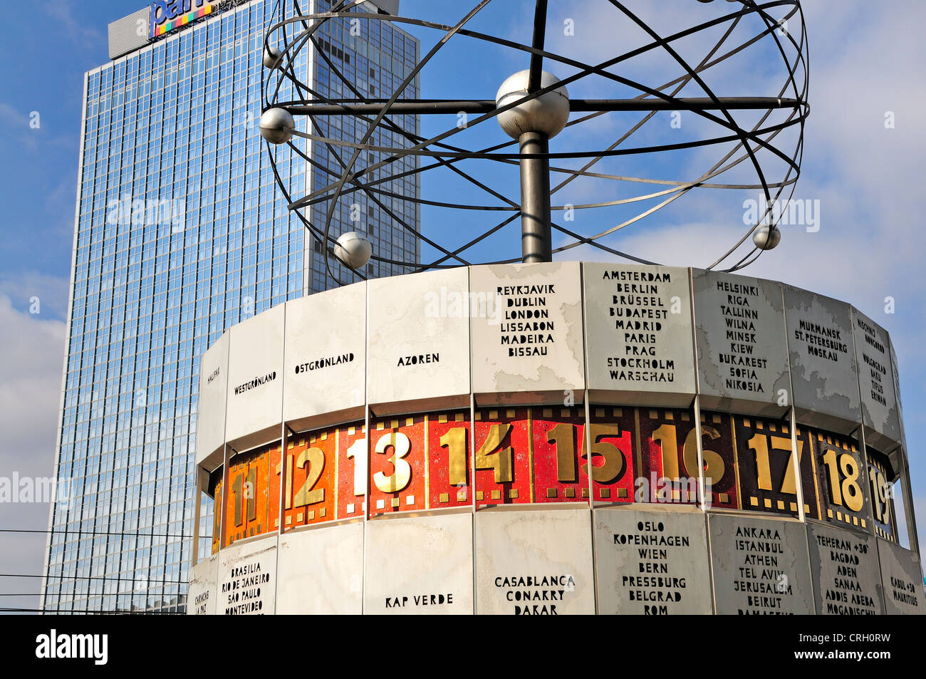 Berlin Deutschland Weltzeituhr Welt Zeit Uhr Am Alexanderplatz Stockfotografie Alamy