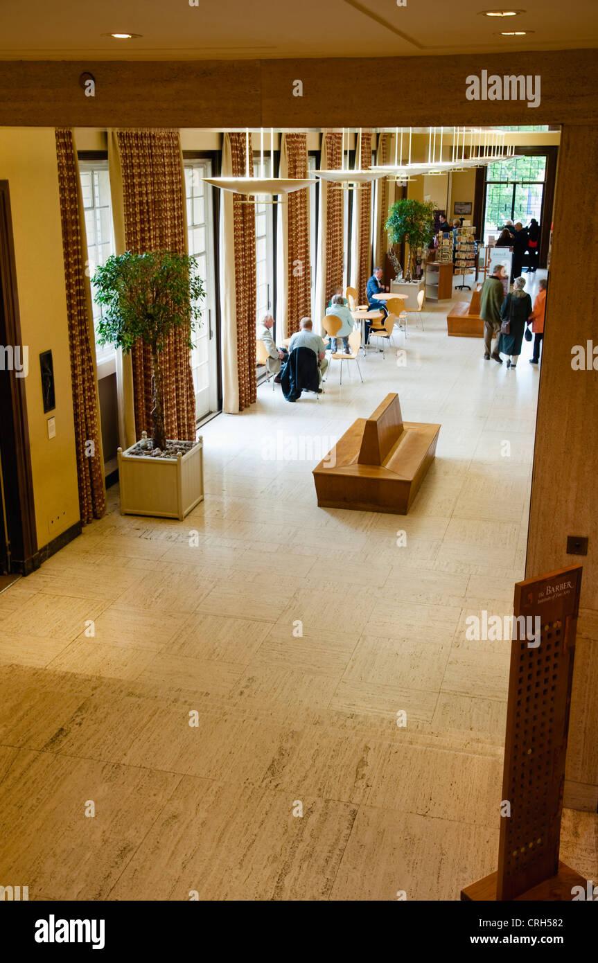 Das Barber Institute of Fine Arts ein 30er Jahre Interieur, mit ...