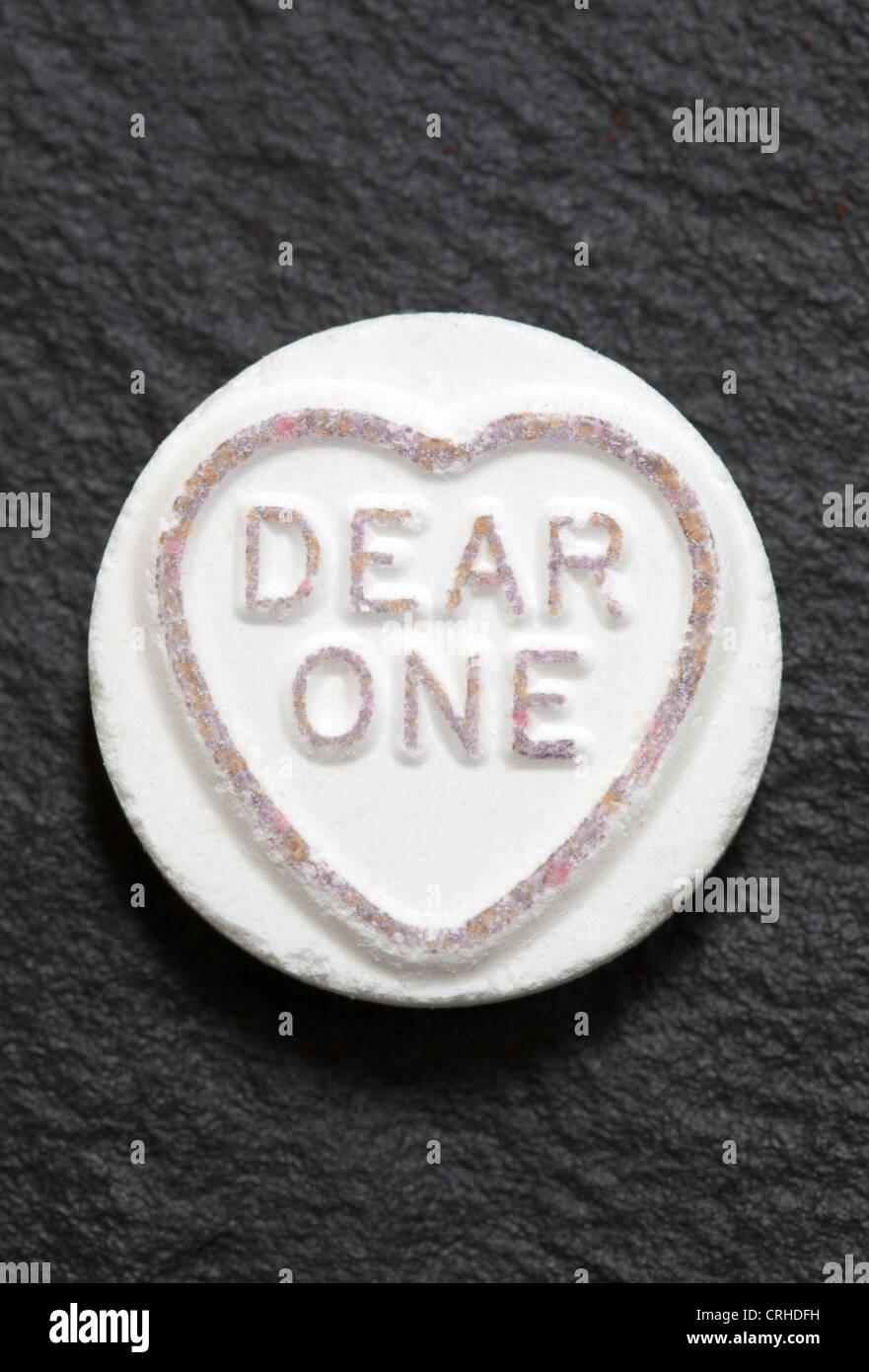 """""""mein lieber, ein"""" Loveheart süß auf schwarzem Hintergrund Stockbild"""
