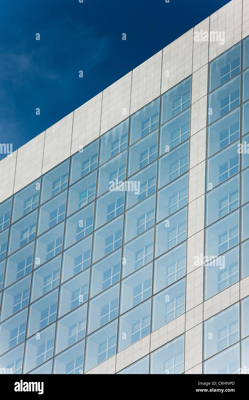 Nahaufnahme des Textes auf Gebäude Fassade gemalt Stockbild