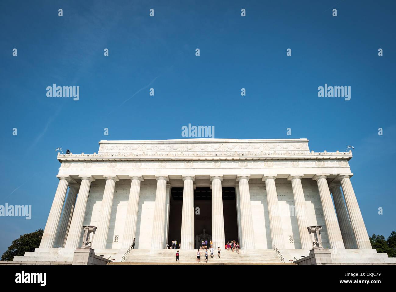 WASHINGTON DC, USA - Lincoln Memorial an einem sonnigen Tag. Äußere Aufnahme der Vorderseite des Lincoln Stockbild