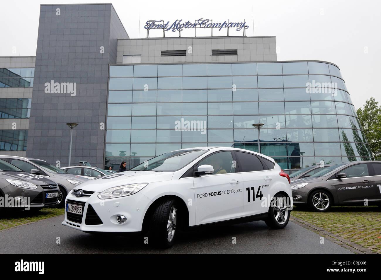 Ford Motor Company, Fords Forschung und Vorentwicklung Zentrum in Aachen/Deutschland. Vorne ist der Ford Focus 1.0 Stockbild