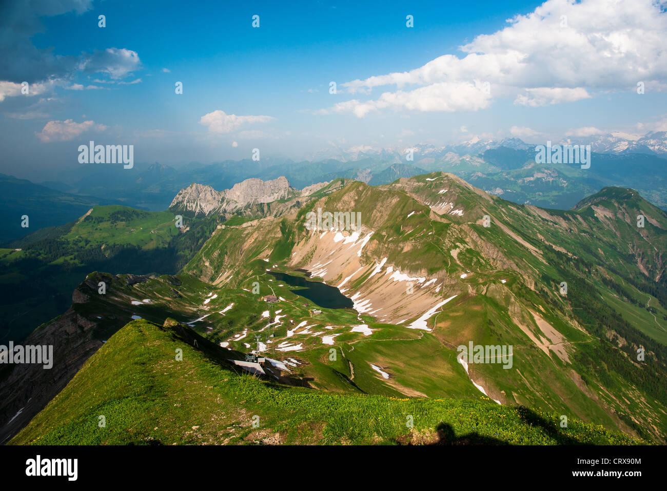Bergpanorama über Schweizer Alpen vom Brienzer Rothorn, Schweiz Stockbild