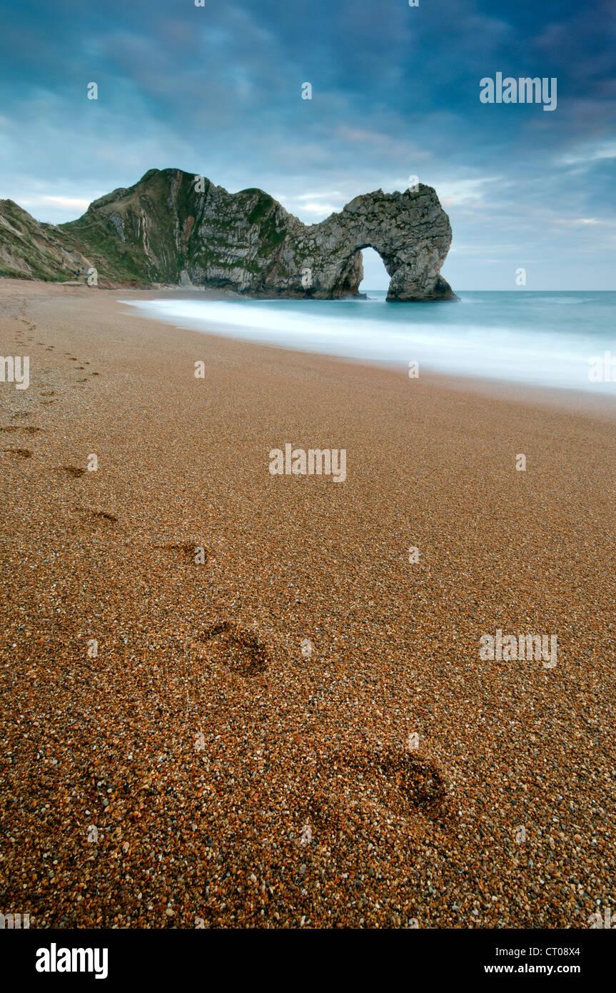 Blick auf Durdle Door und der Jurassic Coast, Dorset. Stockbild