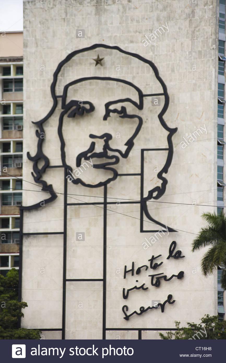 Skulptur von Che Guevara auf Gebäude Stockbild