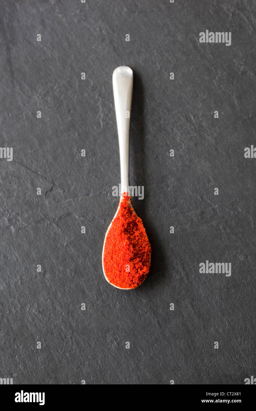 Paprika auf Sppon Stockbild