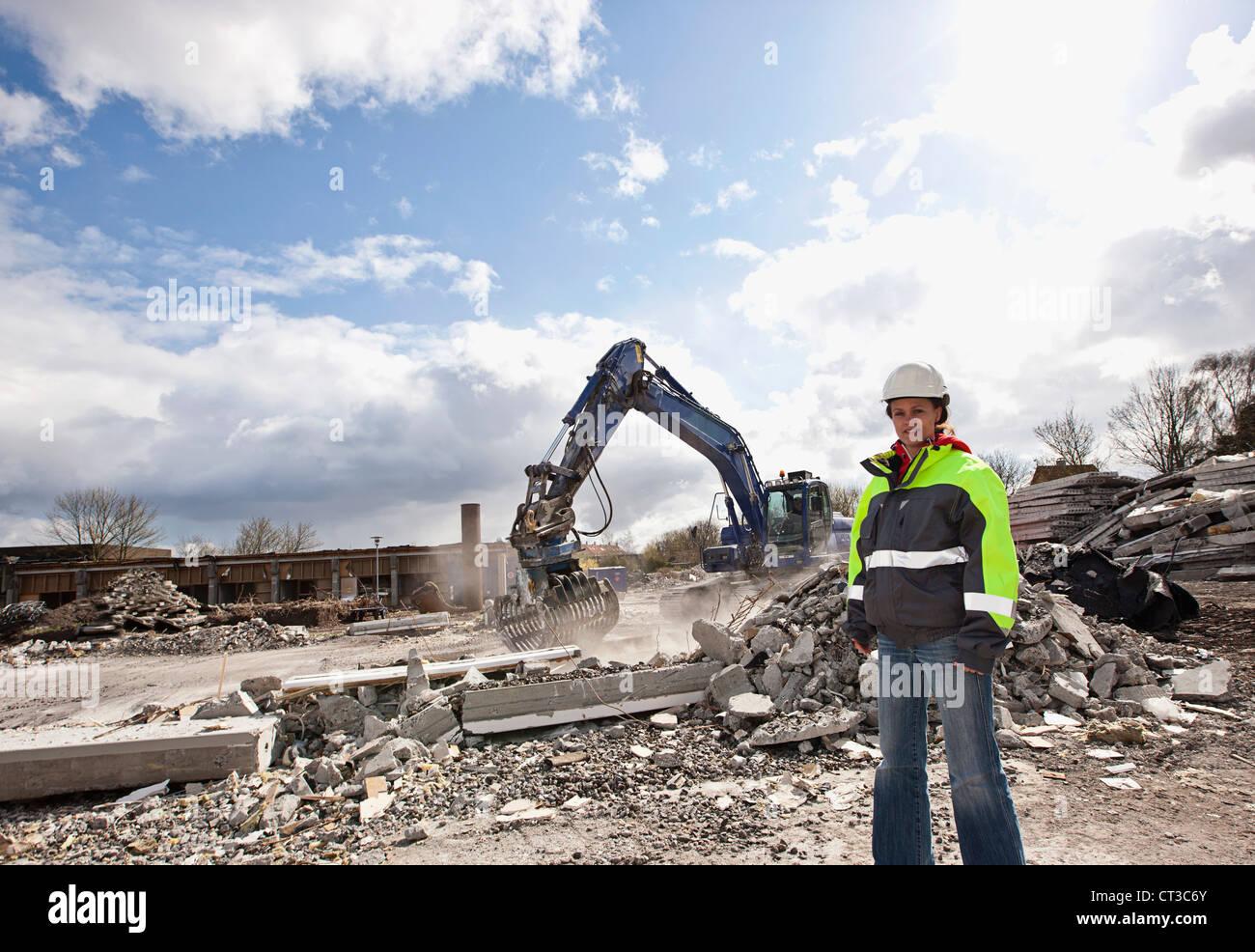 Arbeiter auf der Baustelle stehen Stockbild