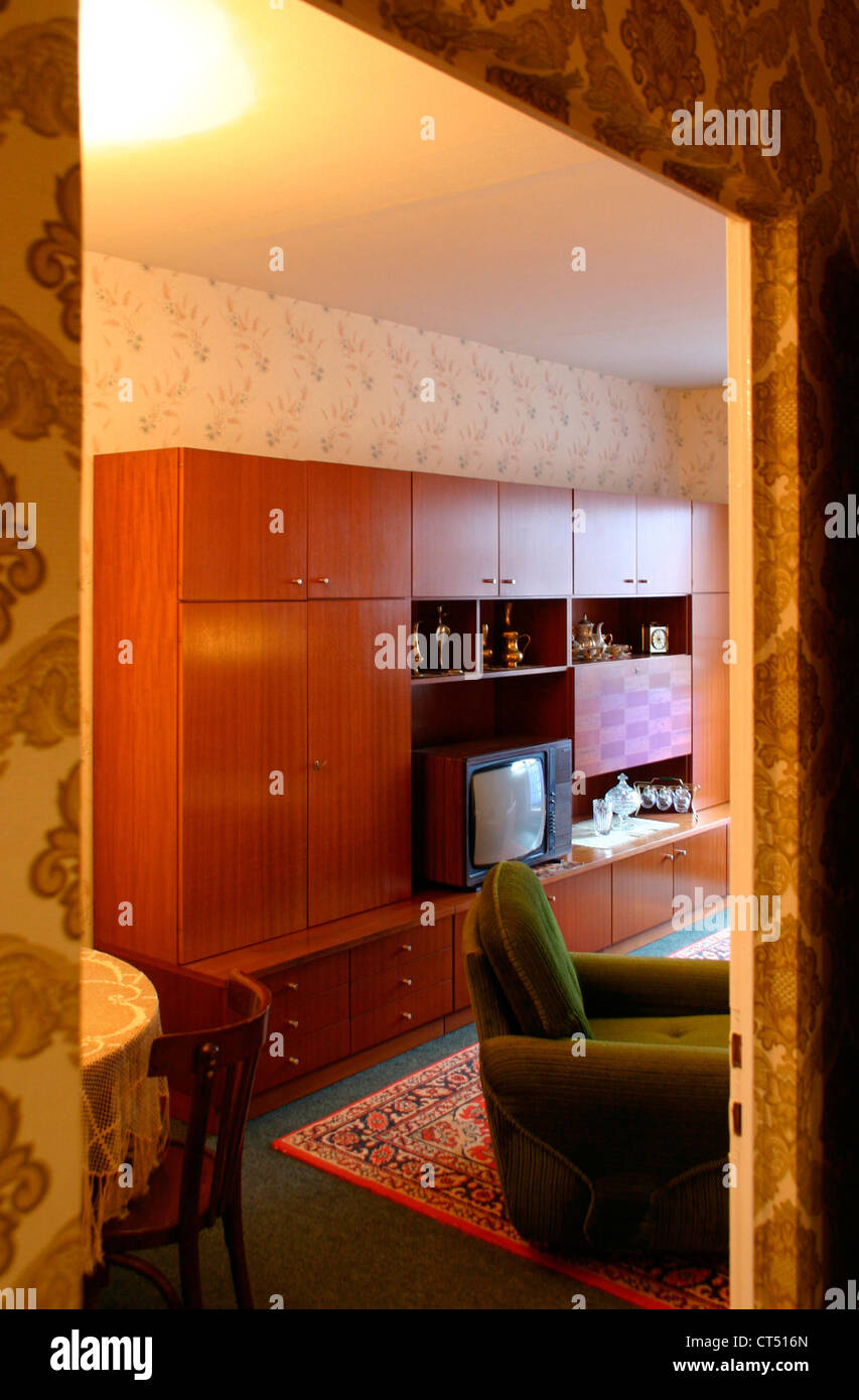 gdr furniture stockfotos gdr furniture bilder seite 3 alamy. Black Bedroom Furniture Sets. Home Design Ideas