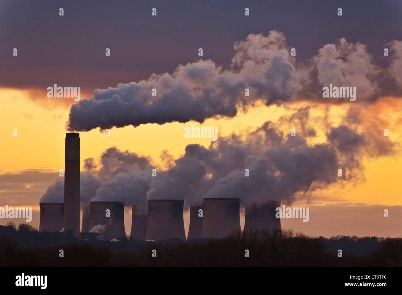 Kühltürme von Ratcliffe auf Soar Kohle abgefeuert Kraftwerk in der Nähe von Nottingham Leicestershire Stockbild
