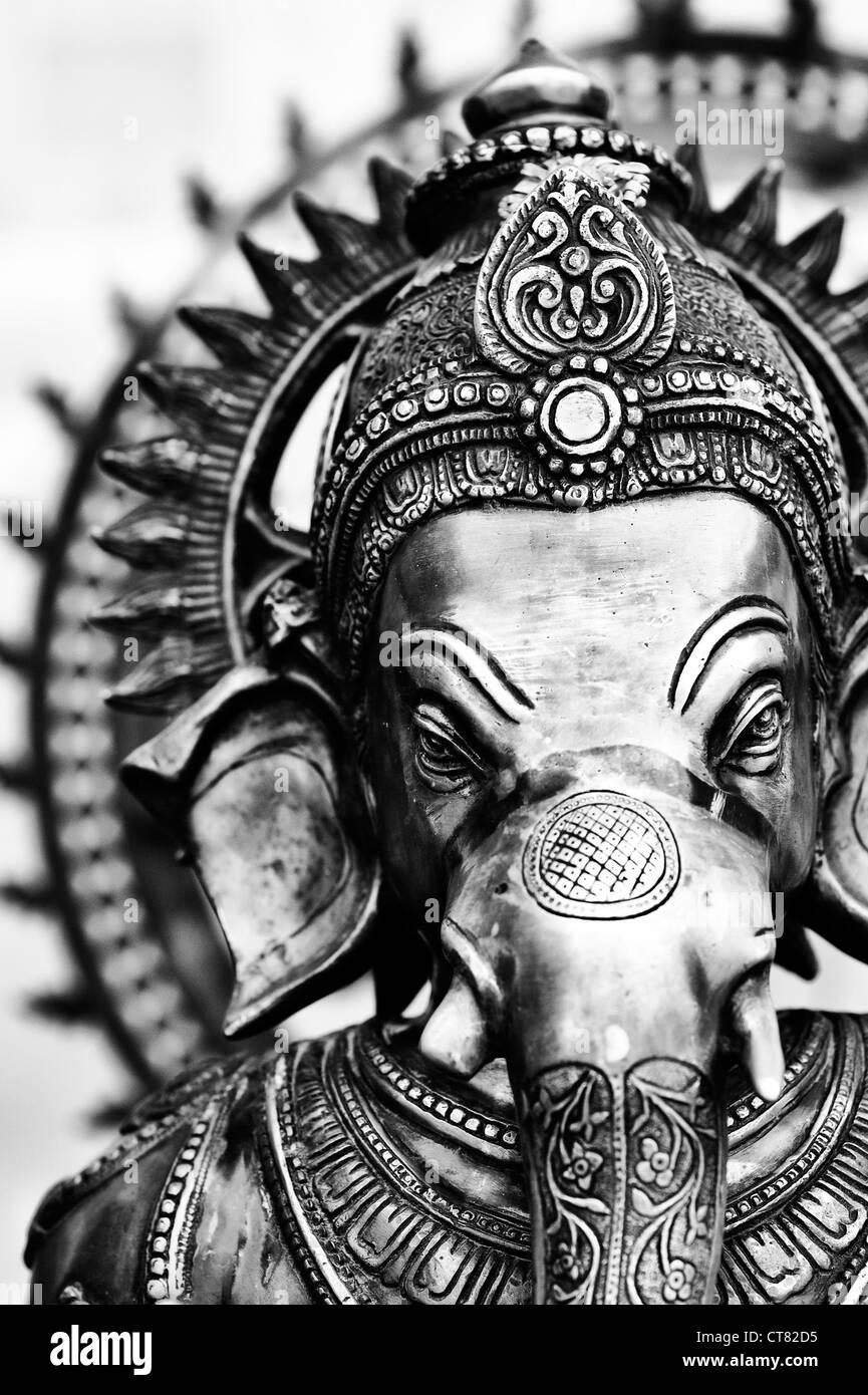 Lord Ganesha Statue. Monochrom Stockbild
