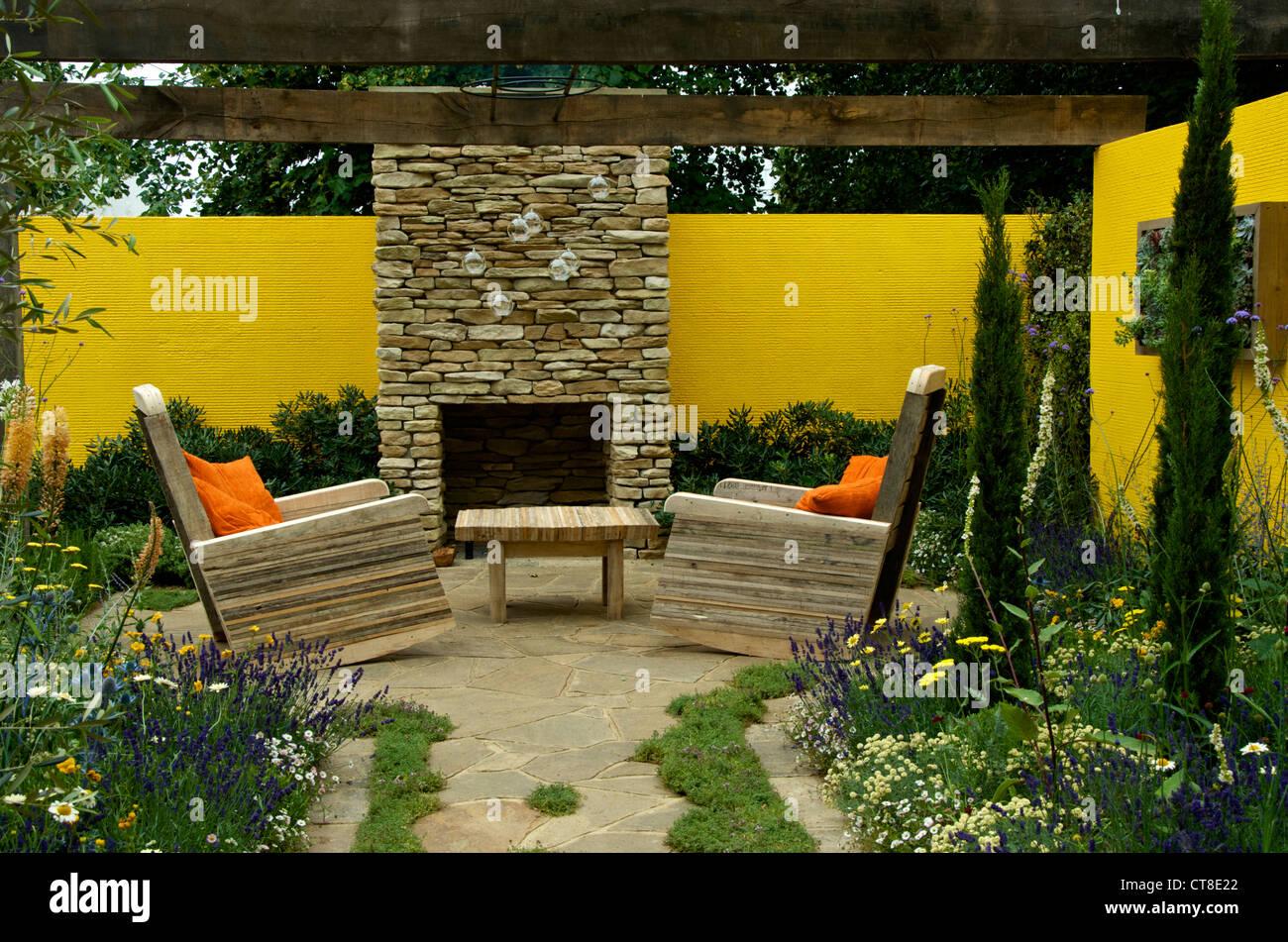 pergola chairs stockfotos pergola chairs bilder alamy. Black Bedroom Furniture Sets. Home Design Ideas