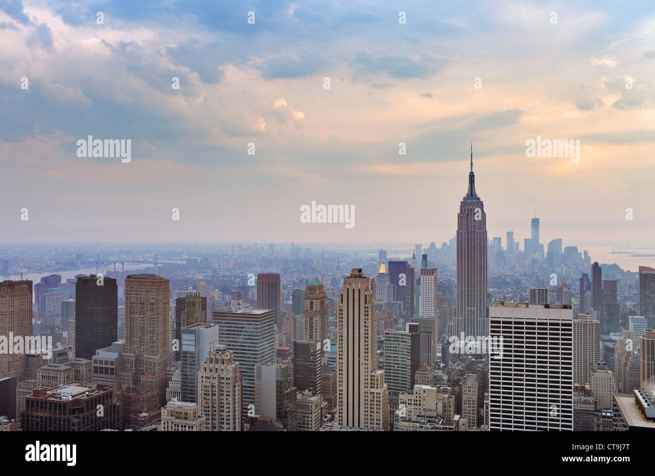Blick auf Midtown und Downtown Manhattan, New York City, USA. Stockbild