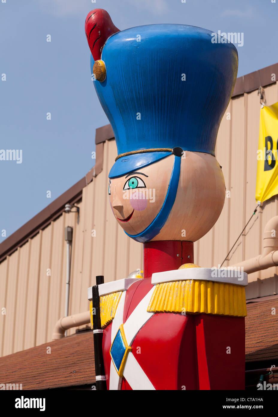 Große Statue von Nussknacker Spielzeugsoldat Stockbild