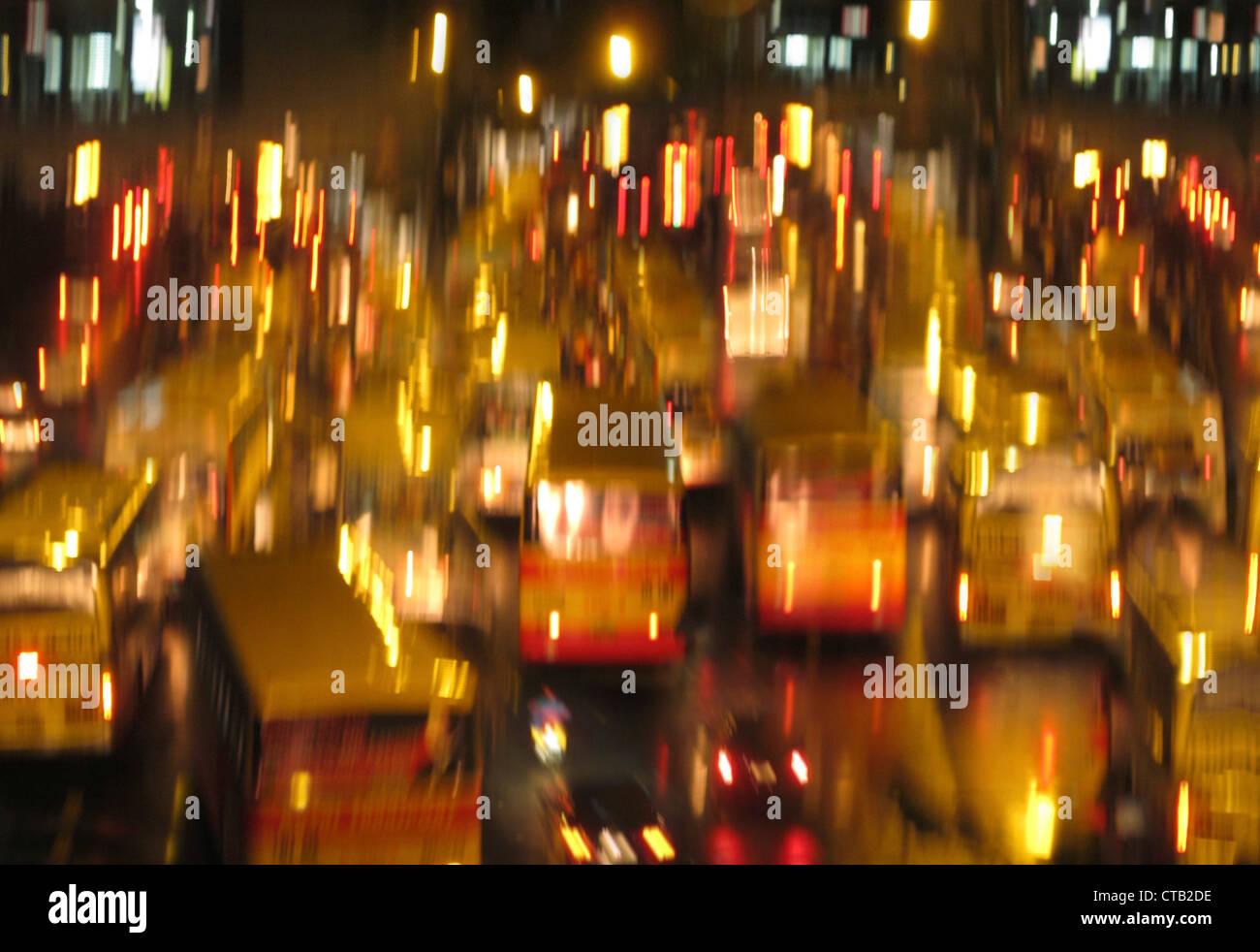 Verkehr in Edsa in Bewegung in der Nacht, Manila, Makati, Metro Manila, Insel Luzon, Philippinen, Asien Stockbild