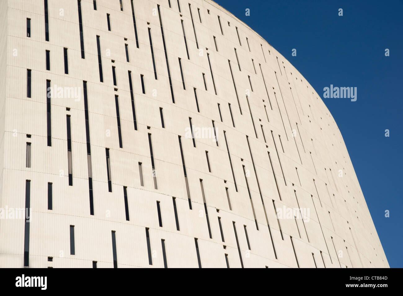 Die Südwand des Turmes an der Phoenix Financial Center, Innenstadt von Phoenix, Arizona.  Daher den Spitznamen Stockbild