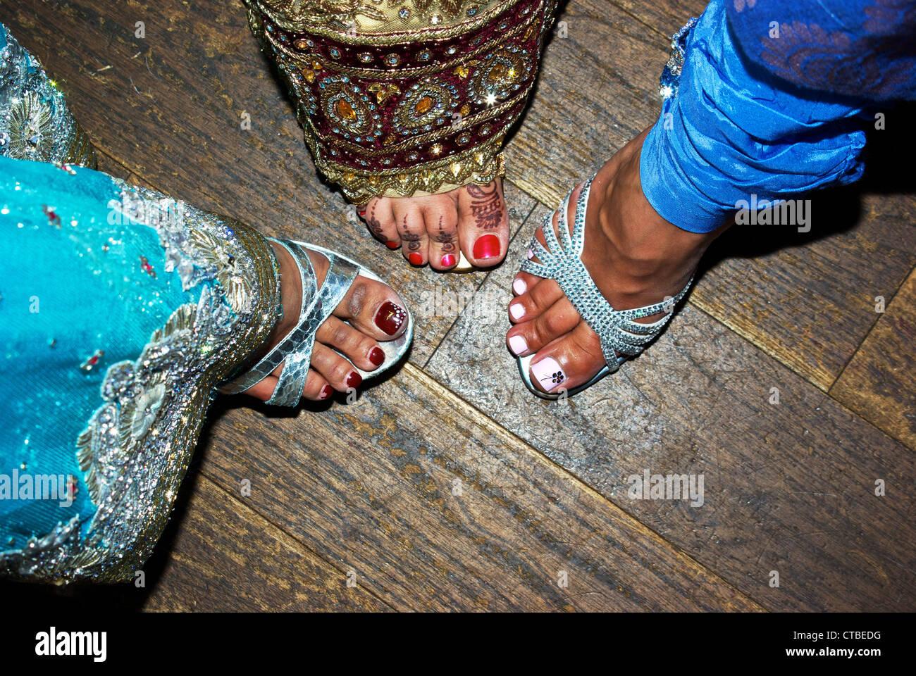Blume Design gemalten Nagellack Henna gefärbte Fuß Zehen ...