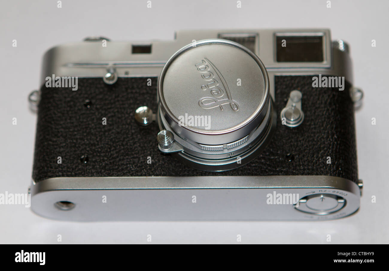 Leica Mit Entfernungsmesser : Leica m entfernungsmesser filmkamera stockfoto bild