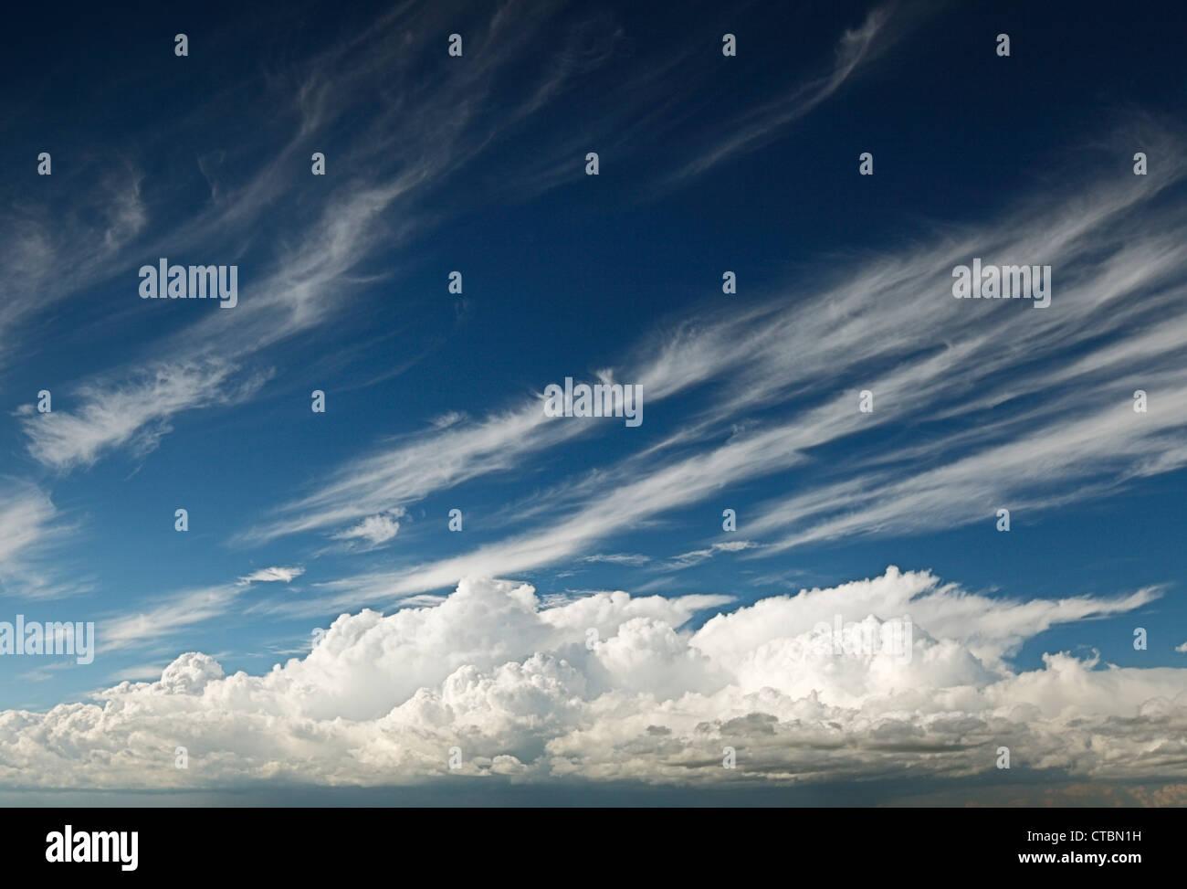 Wolkengebilde. Stockbild