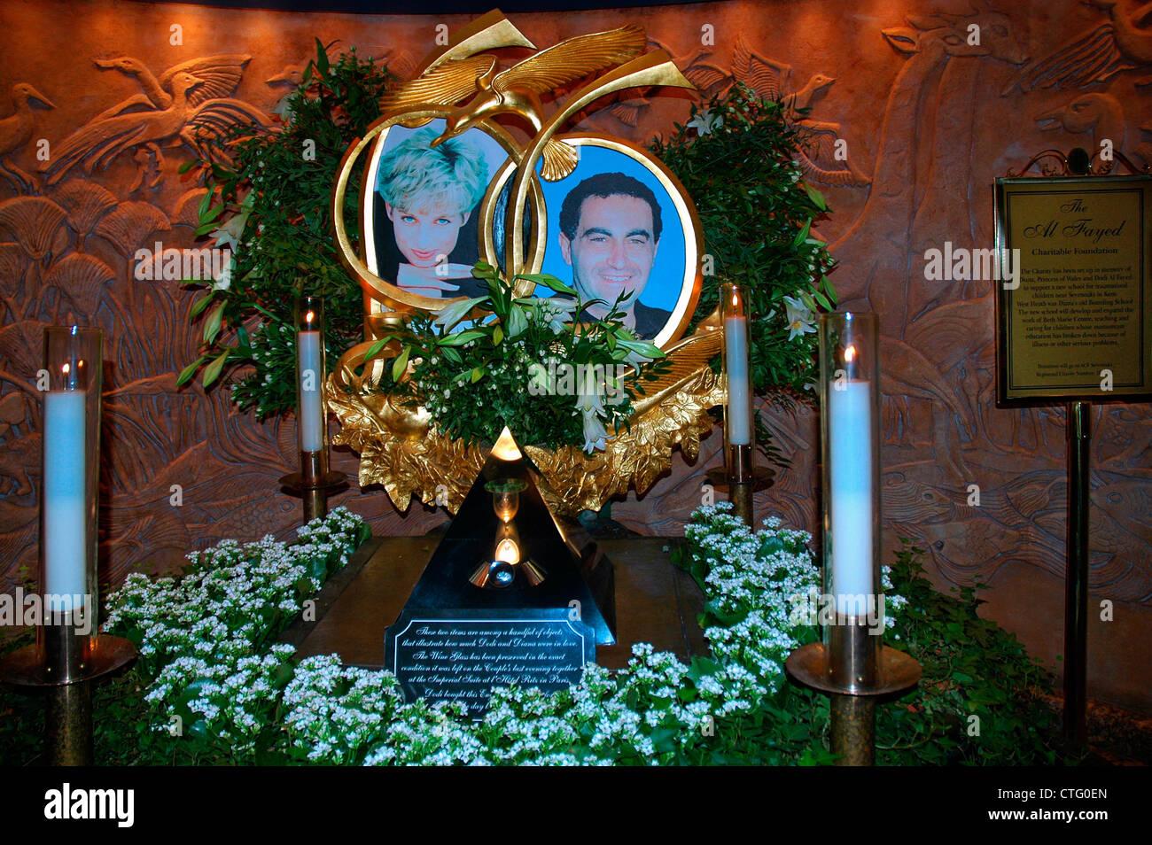 Denkmal für Dodi Fayed und Prinzessin Diana Stockbild