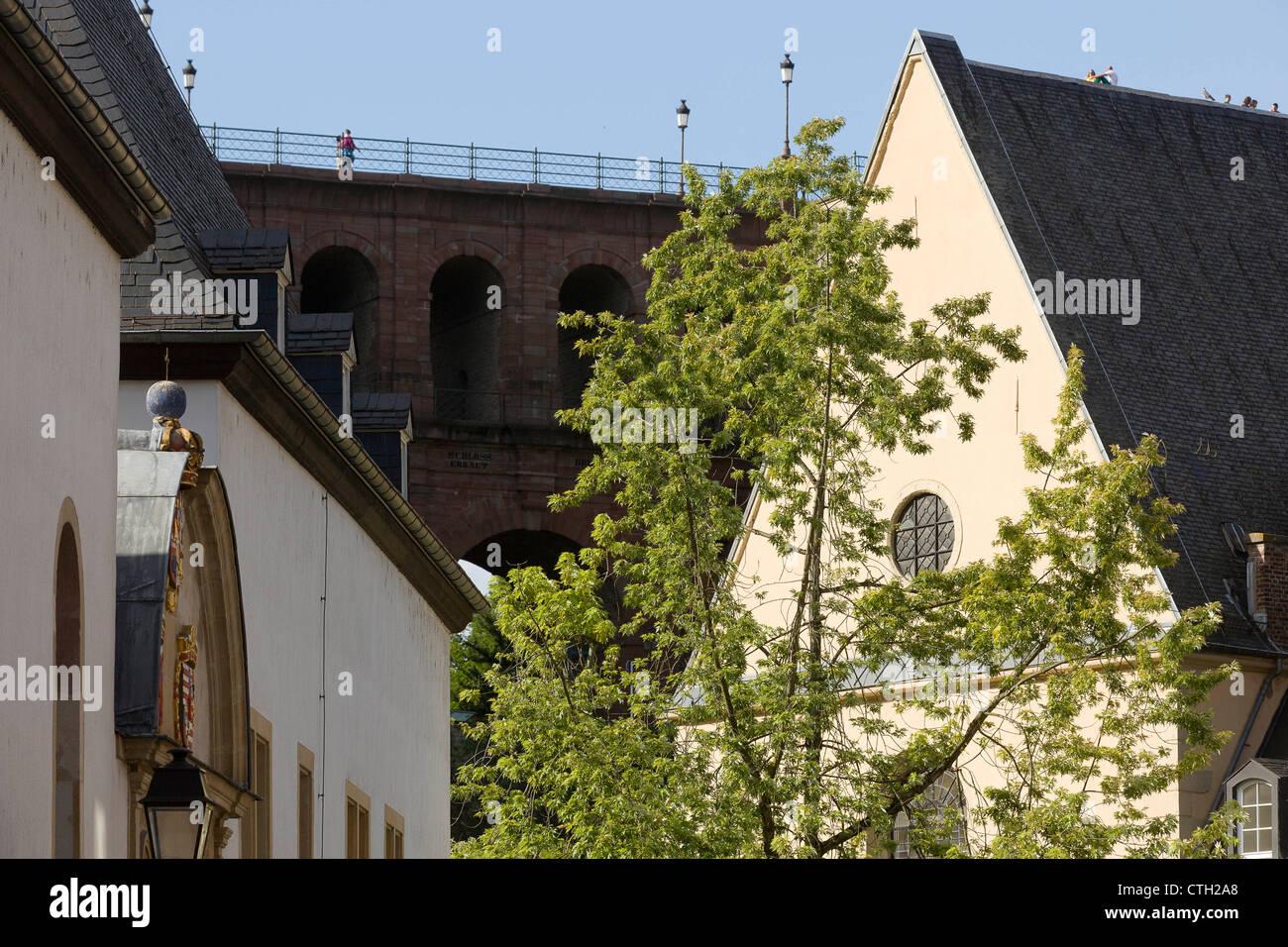 Teil des Natural History Museum Gebäude, die Schlassbreck und ein Teil der Kirche von Neumünster Abbey. Stockbild