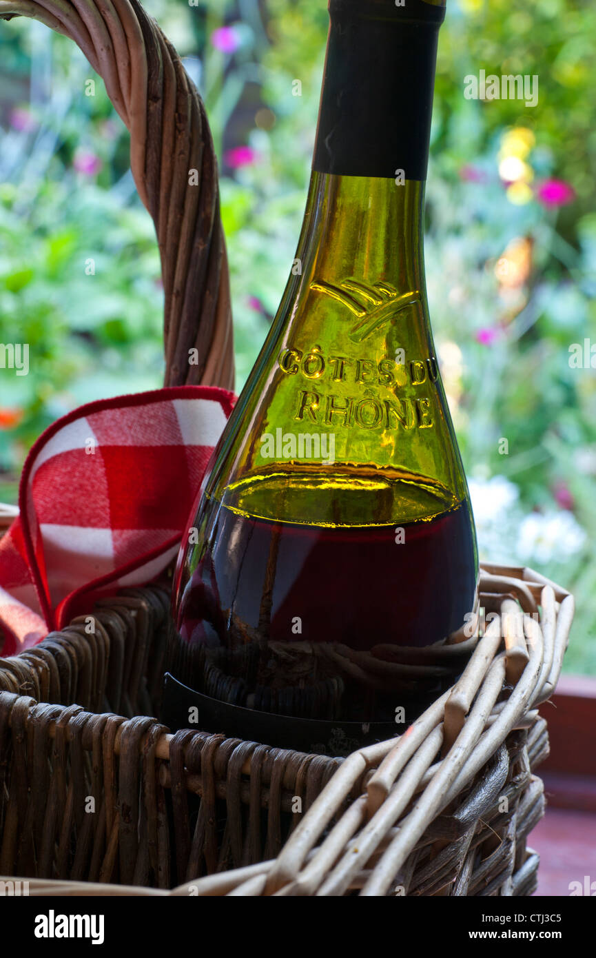 red wine stockfotos red wine bilder alamy. Black Bedroom Furniture Sets. Home Design Ideas