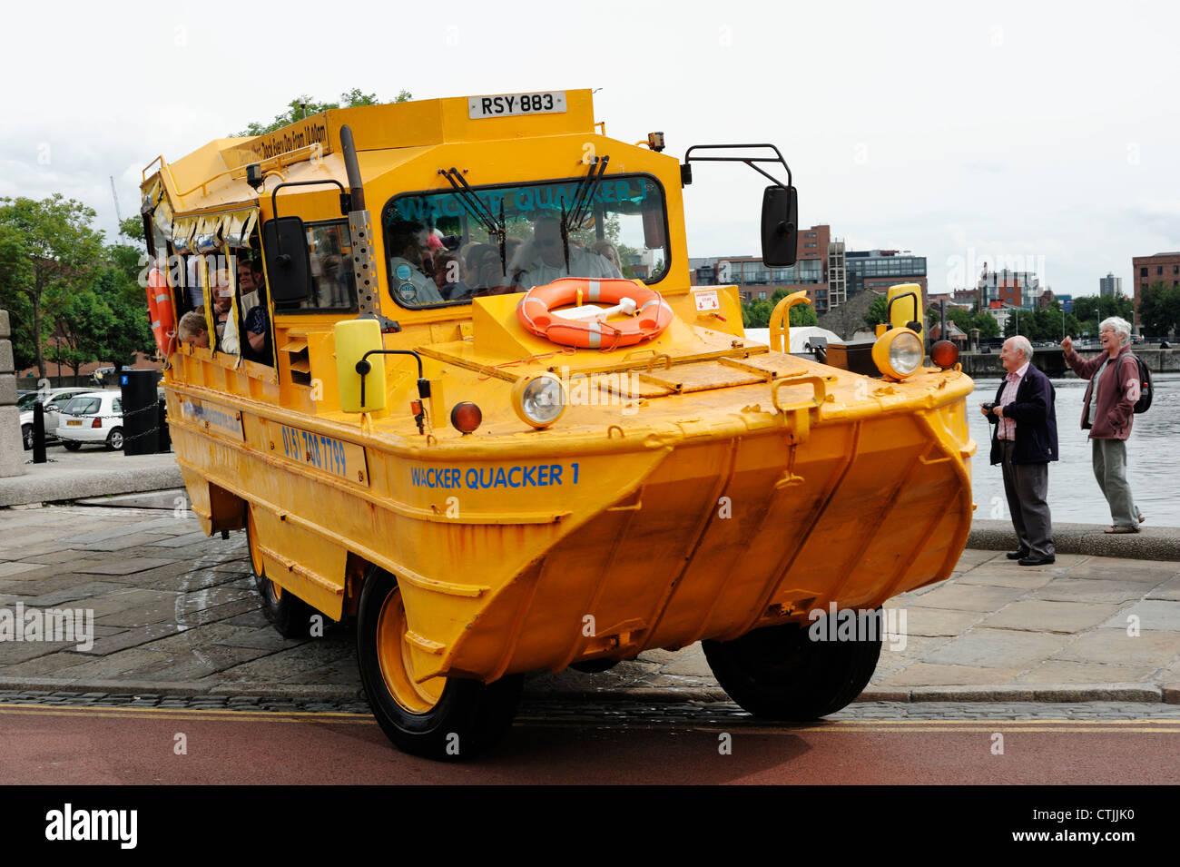 Liverpool Wacker Quacker gelbe Boot Tour Fahrzeug Stockbild