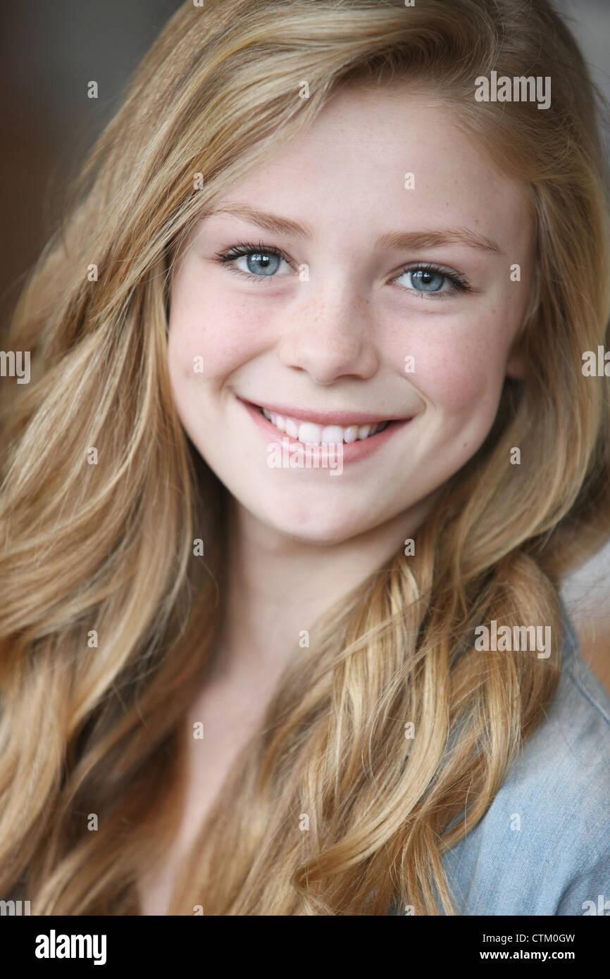Mädchen Blond