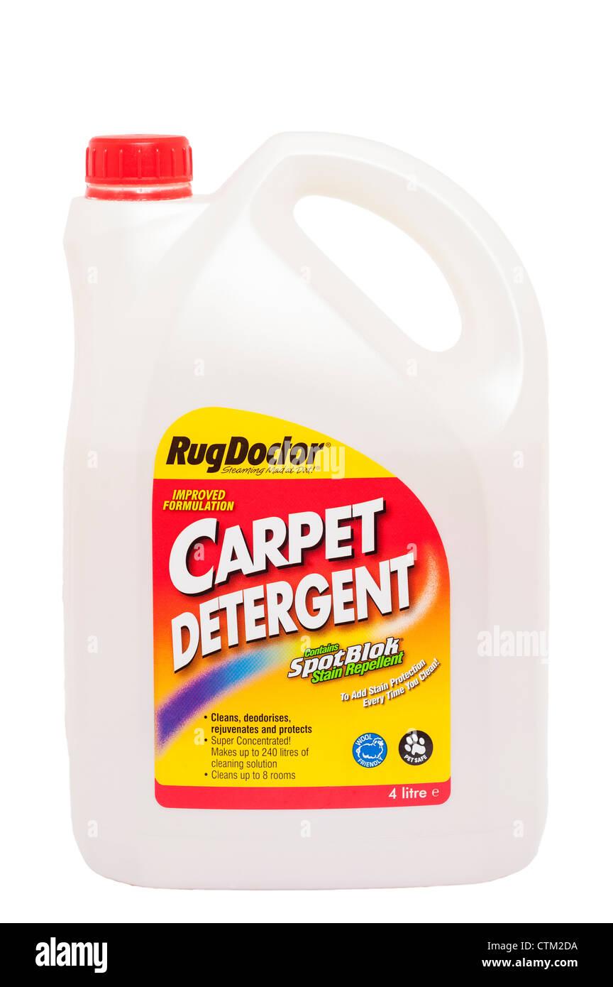 Eine Wanne mit RugDoctor Teppich Reinigungsmittel zur Reinigung von Teppichen auf weißem Hintergrund Stockbild
