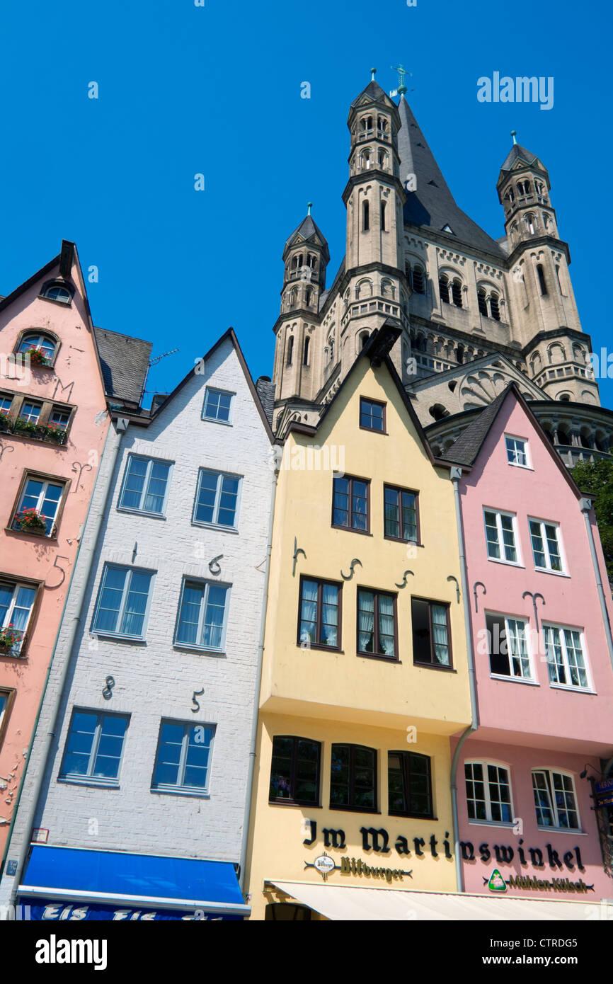 Historische bunte alte Gebäude am Fischmarkt in der Altstadt oder Altstadt in Köln Stockbild