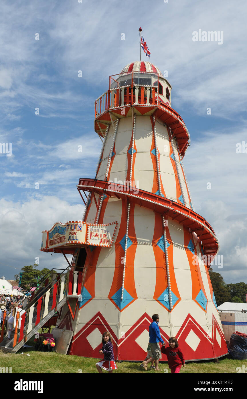 TRADITIONELLE KIRMES HELTER SKELTER AM CAMP BESTIVAL Stockfoto