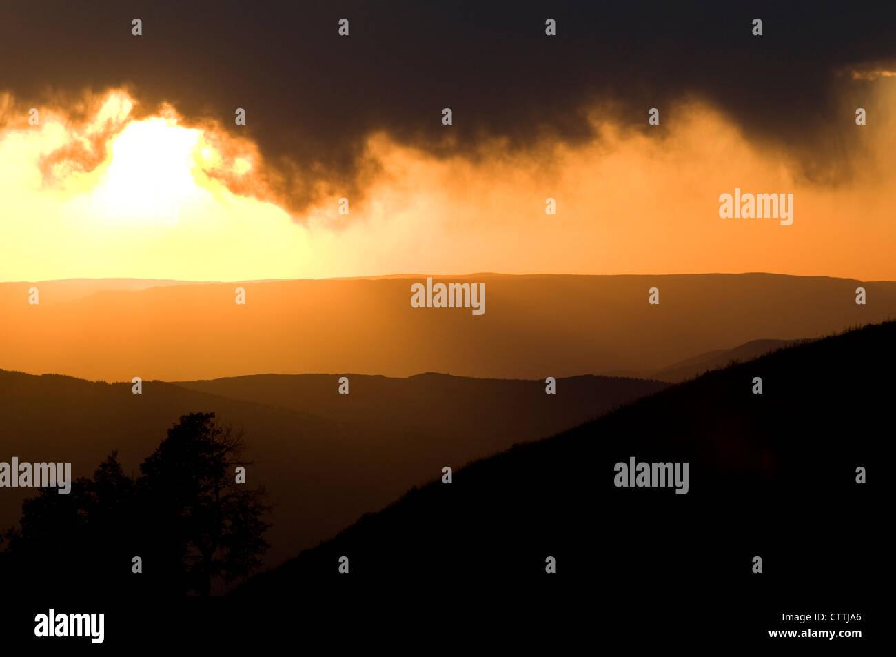 Sonnenuntergang von der Spitze des Vail Mountain, Vail Colorado, USA, Spätsommer Stockbild