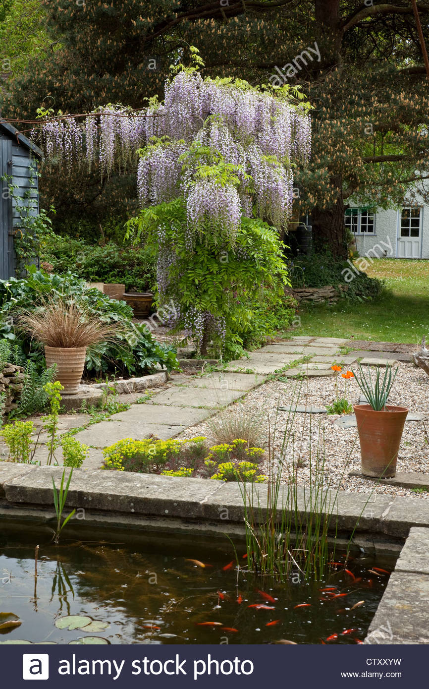 Archway And Garden Stockfotos & Archway And Garden Bilder - Seite 3 ...