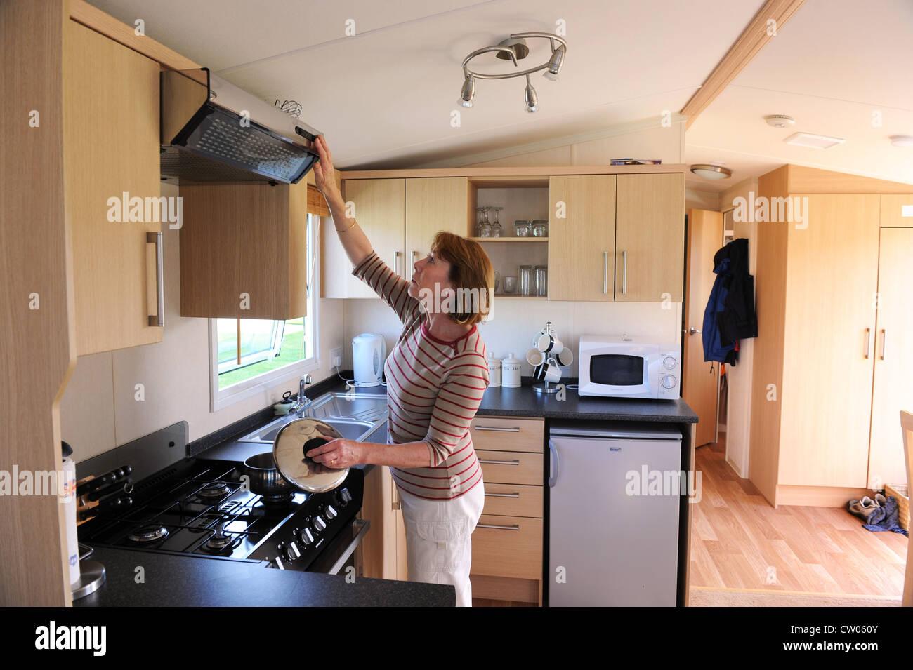 Home Kitchen Stockfotos & Home Kitchen Bilder - Alamy