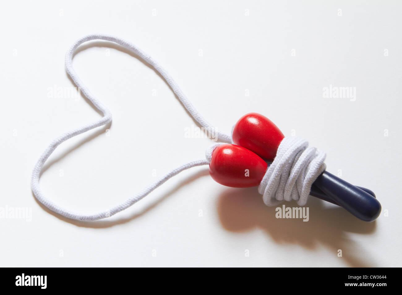 Springseil mit Seil In Form von Herzen Stockbild