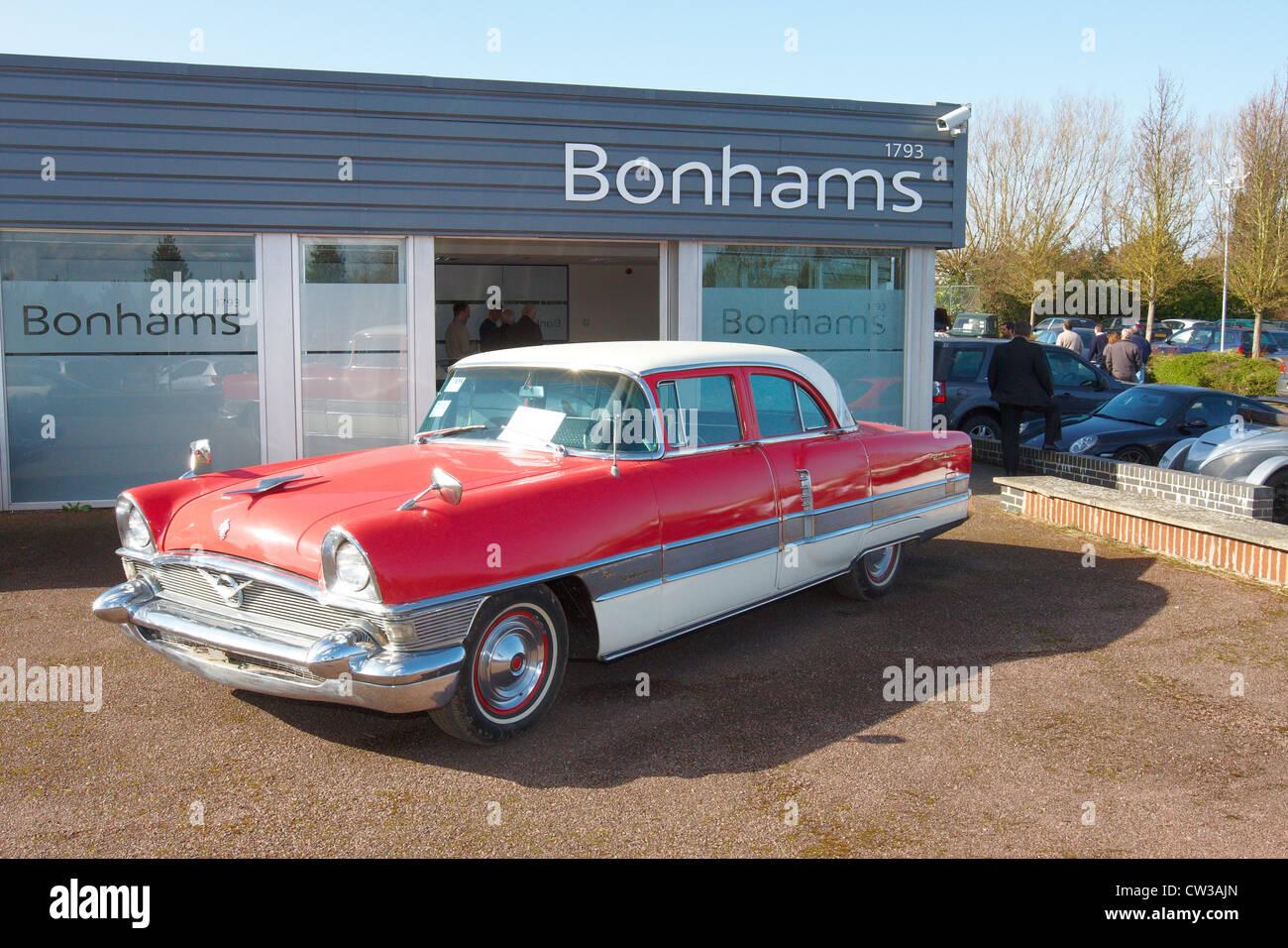 eine 1956 packard patrician limousine geh rt eine oldtimer. Black Bedroom Furniture Sets. Home Design Ideas