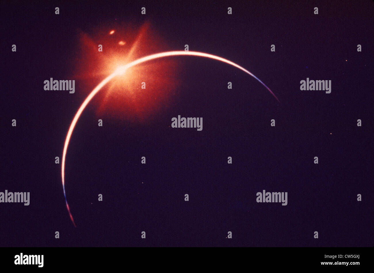 Eine totale Sonnenfinsternis mit der Diamant-Ring-Effekt Stockbild