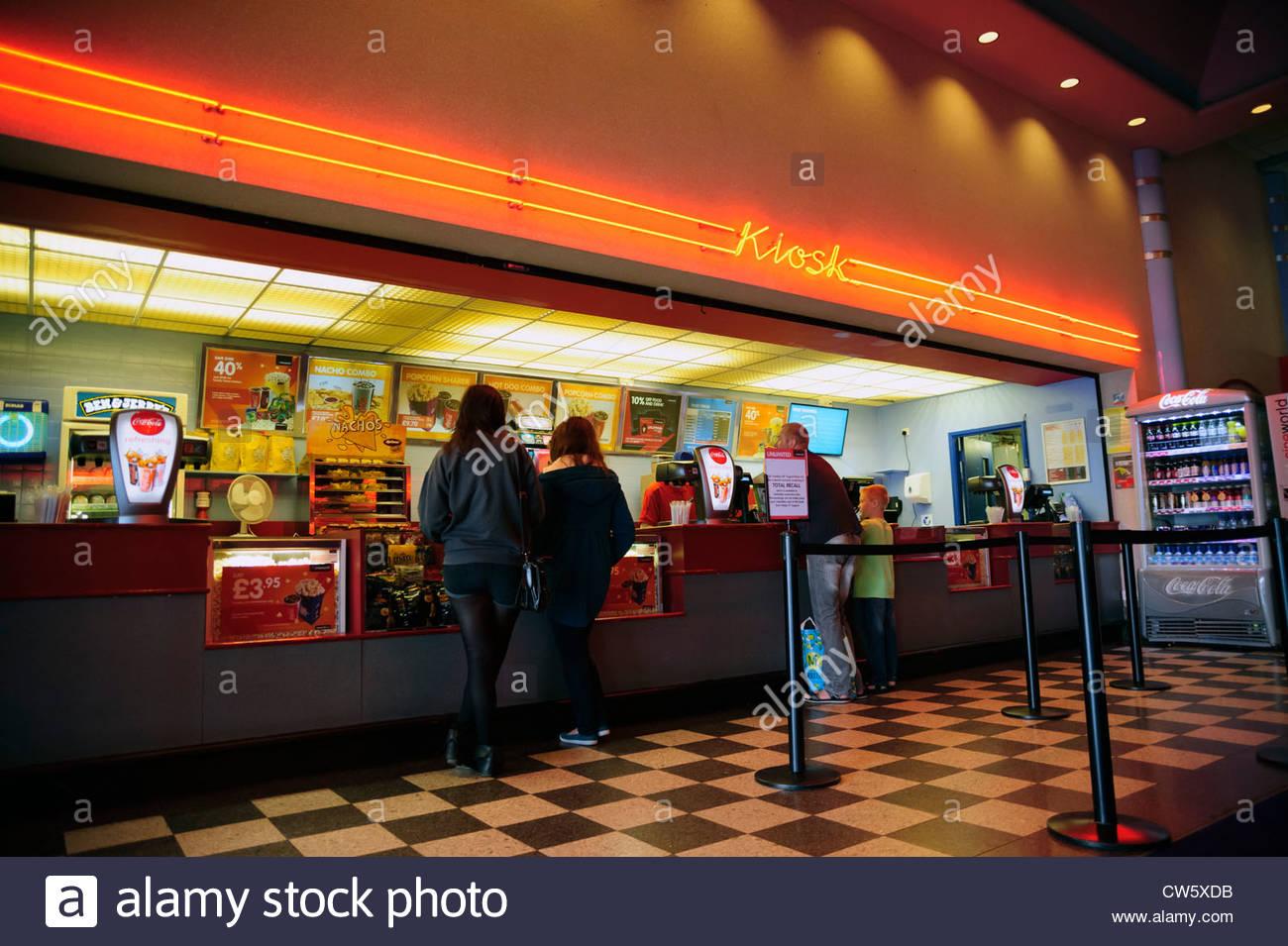 Kino-Speicher, Gloucester, Großbritannien. Kiosk verkaufen Getränke ...