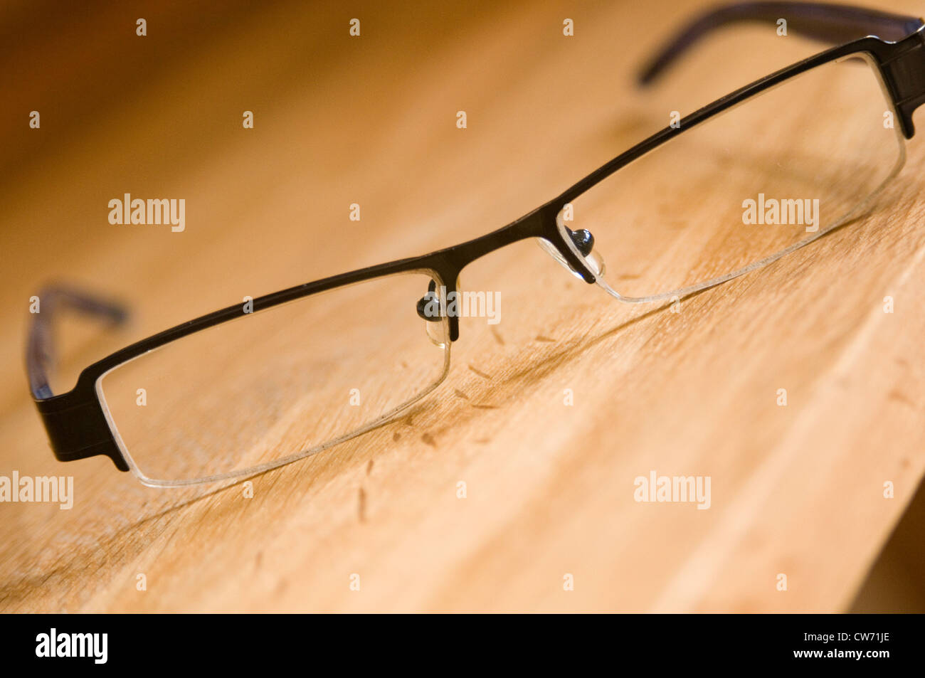 dünne kleine Brille Brille Rahmen schwarz Look aussehende ...